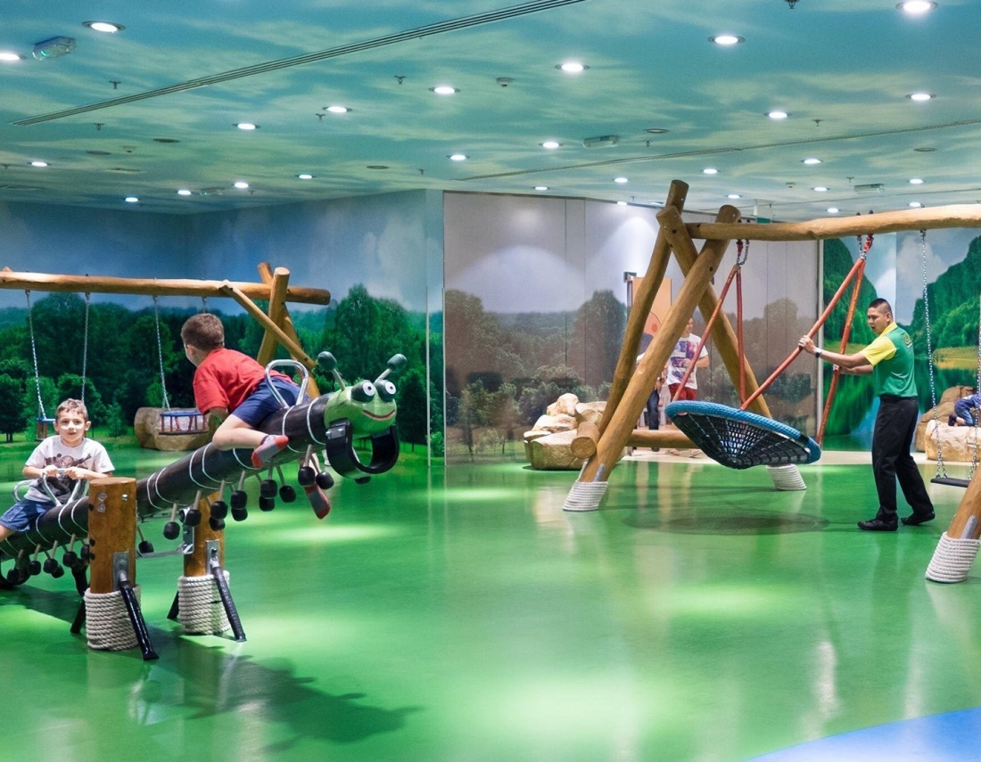 Kids-playing-indoor-soft-play-areas-kidsconnection-dcg.jpg